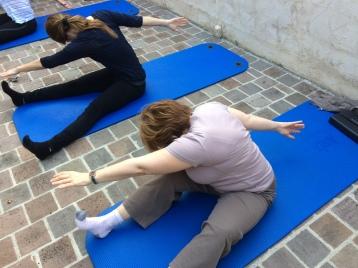 Pilates Saint Maur -Cours de mat - la scie